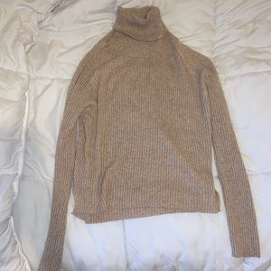 Turtleneck sweater from VICI